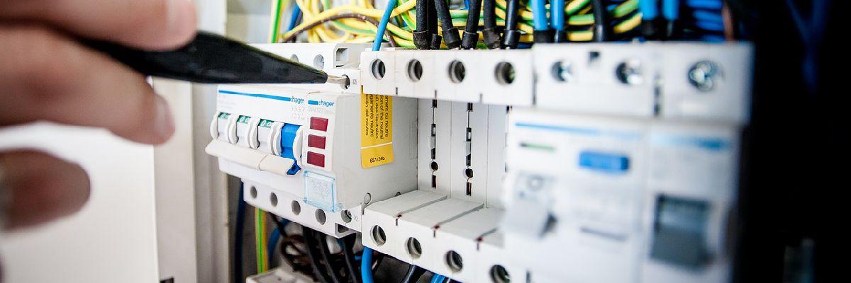 Serwis baterii kondensatorów